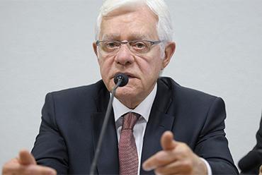 Ministro de Minas e Energia defende abertura de mercado livre