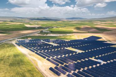 Fonte solar fotovoltaica é foco em projeto em tramitação no senado